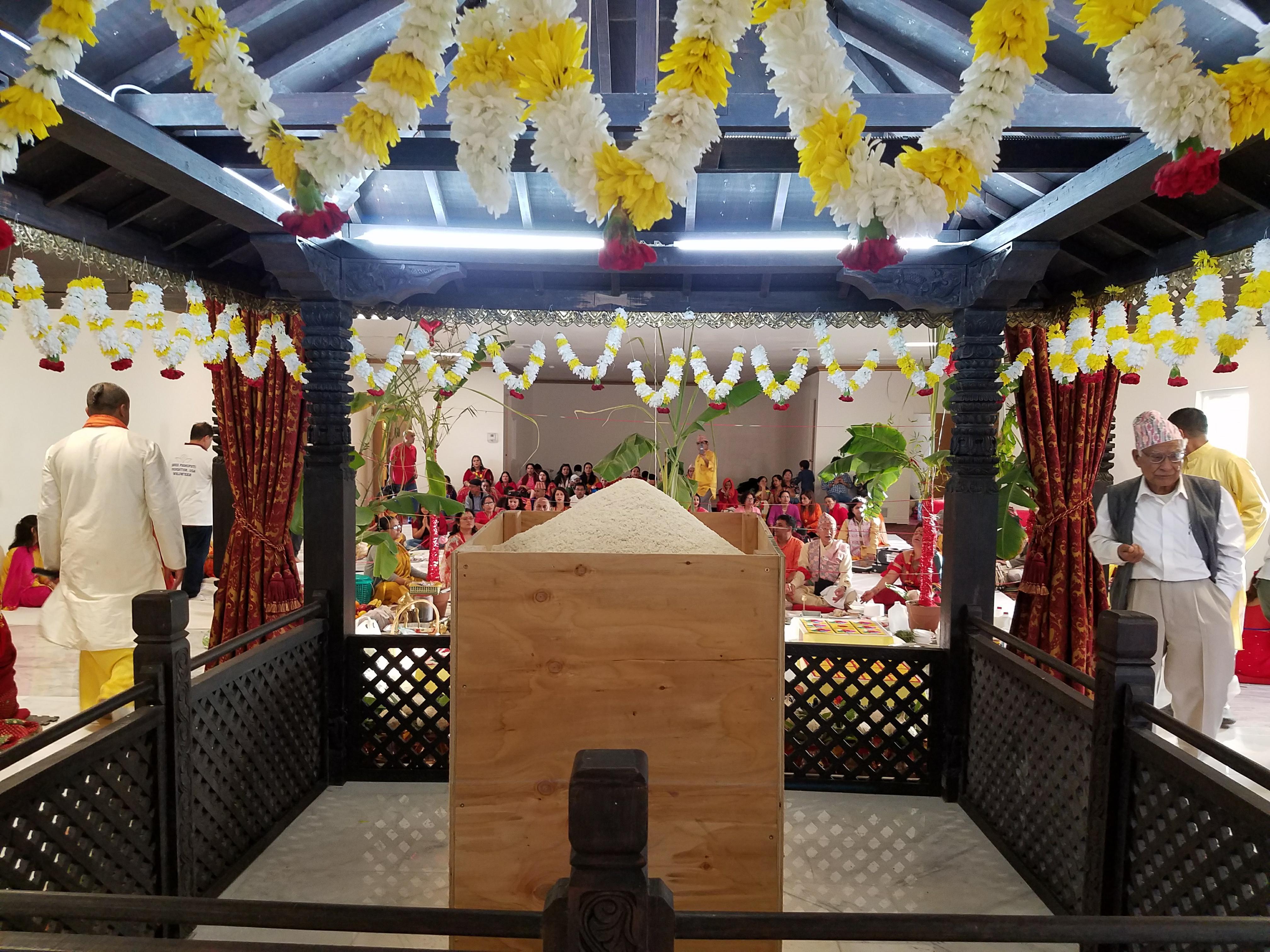 लस एन्जलस पशुपतिनाथ मन्दिरमा प्राण प्रतिष्ठा पूजाको पहिलो दिन सम्पन्न