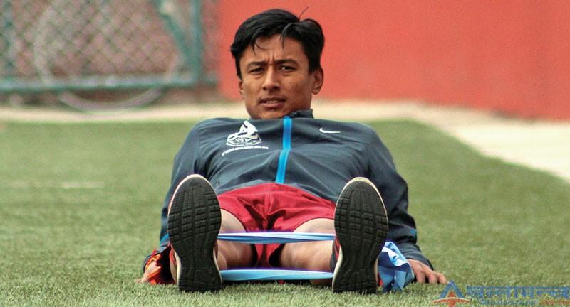नेपाली फुटबलका एउटा आशा, सेनाका सुवेदार फरवार्ड नवयुग श्रेष्ठ