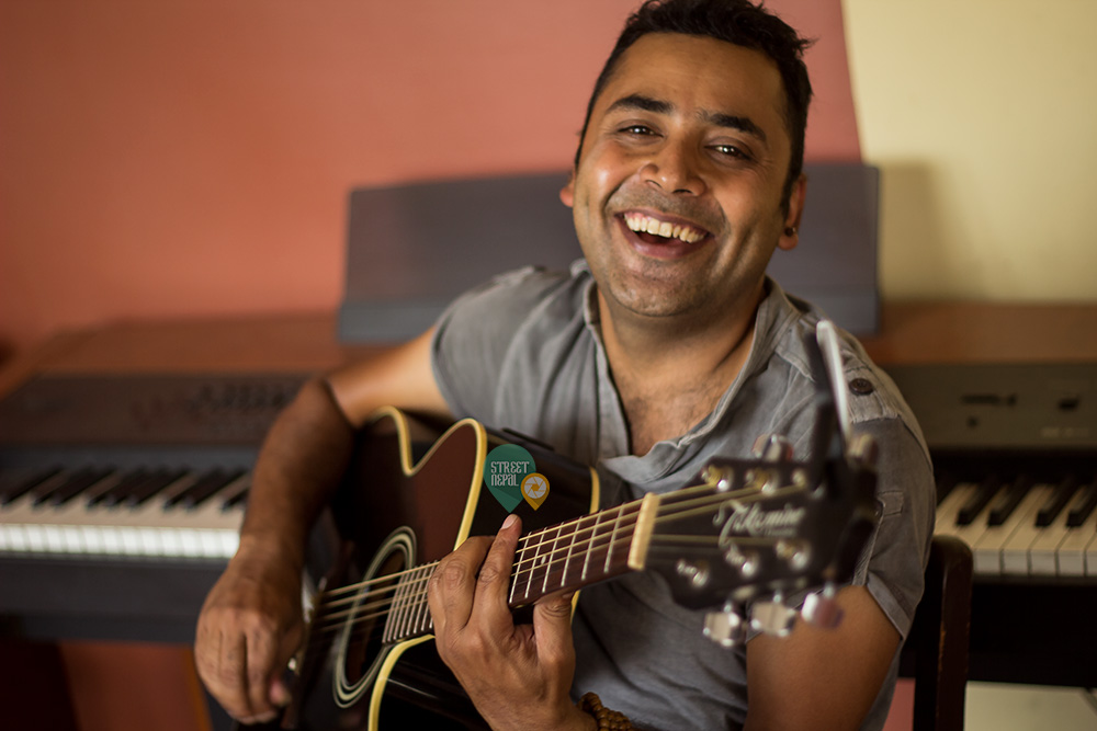 गायक एवं आईडल जज कालिप्रसाद बास्कोटा टेक्सासको लवक आउंदै