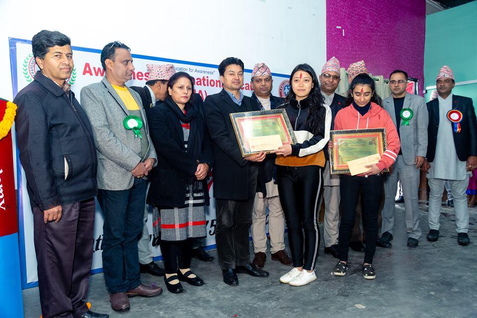 एसईईका उत्कृष्ट विद्यार्थीलाई प्रसिद्ध कँडेल स्मृति पुरस्कार प्रदान