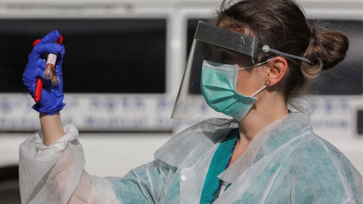 ३० सेकेन्डमै कोरोनाभाइरस परीक्षण गर्ने यन्त्र