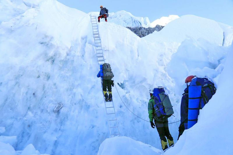 पर्वतारोहणका लागि हालसम्म चार सयभन्दा बढीले अनुमति लिए
