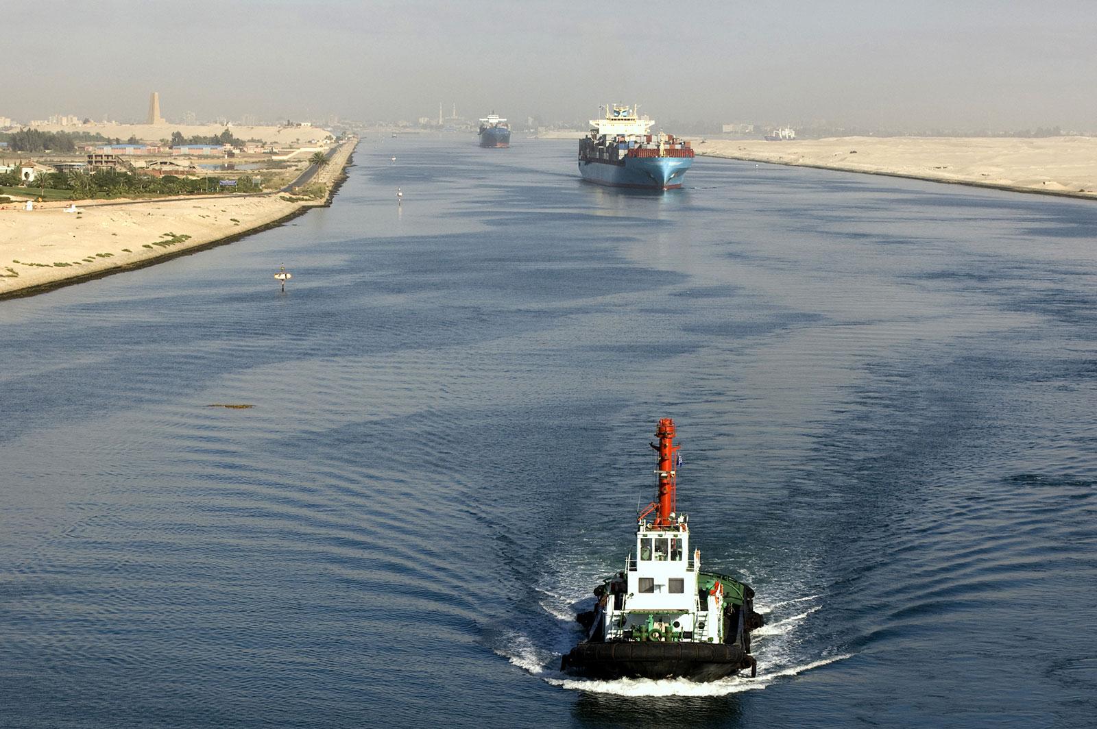 इजिप्टले स्वेज नहरको दक्षिणी भागलाई अझ फराकिलो र गहिरो बनाउने