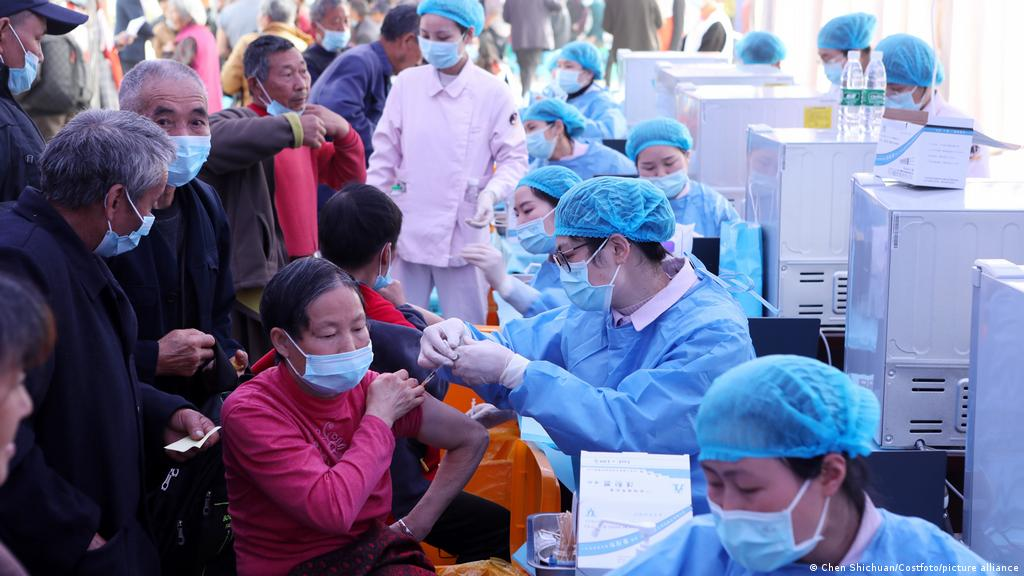 चीनमा एक अर्बभन्दा बढी डोज कोभिड–१९ विरुद्धको खोप लगाईयो