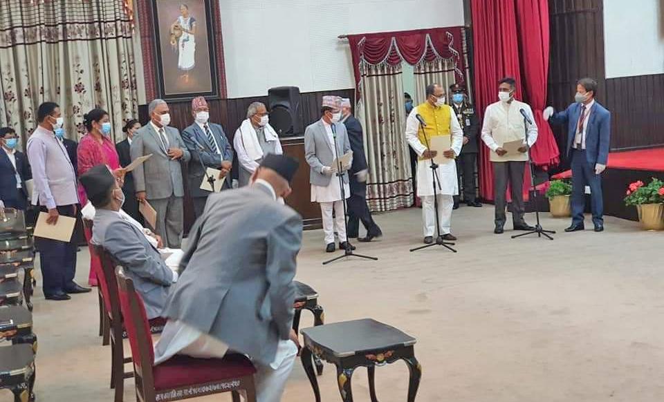 मन्त्रिपरिषद पुनर्गठन, नयाँ तीन उपप्रधानमन्त्री
