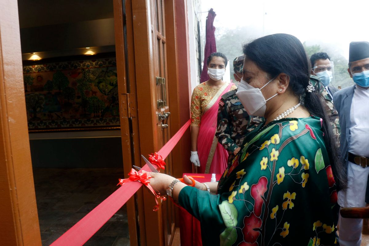 राष्ट्रपति भण्डारीले सिन्धुलीगढीमा नेपालकै पहिलो सिन्धुलीगढी युद्ध संग्रहालयको गरिन उद्घाटन