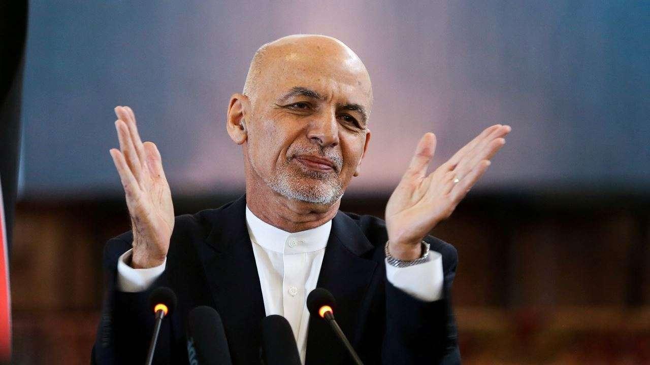 देश छोडेर  भागेका अफगानी  राष्ट्रपति यूएईमा