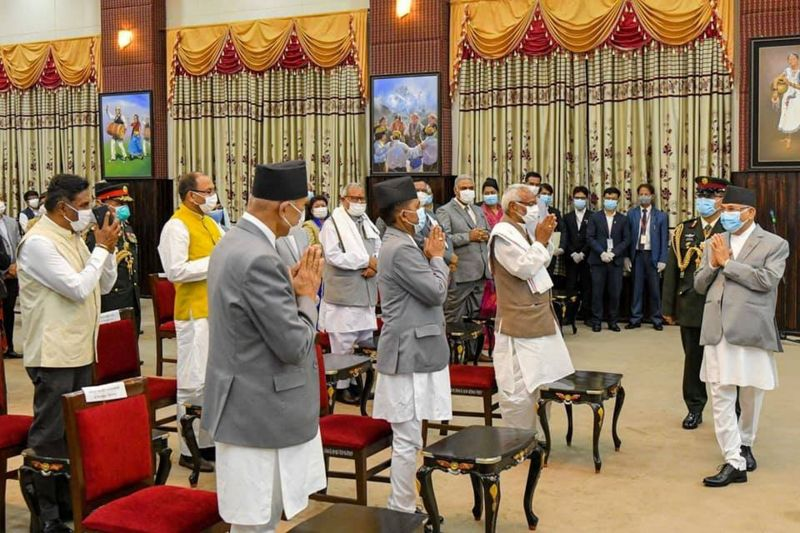 प्रधानमन्त्री ओलीले आफ्नो मन्त्रिपरिषद्मा थपे सात मन्त्री र एक राज्यमन्त्री, गृहमन्त्री बने अधिकारी