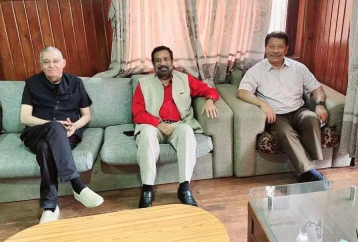 विमलेन्द्र निधि, महामन्त्री शशांक कोइराला र नेता प्रकाशमान सिंहबीच भेटवार्ता